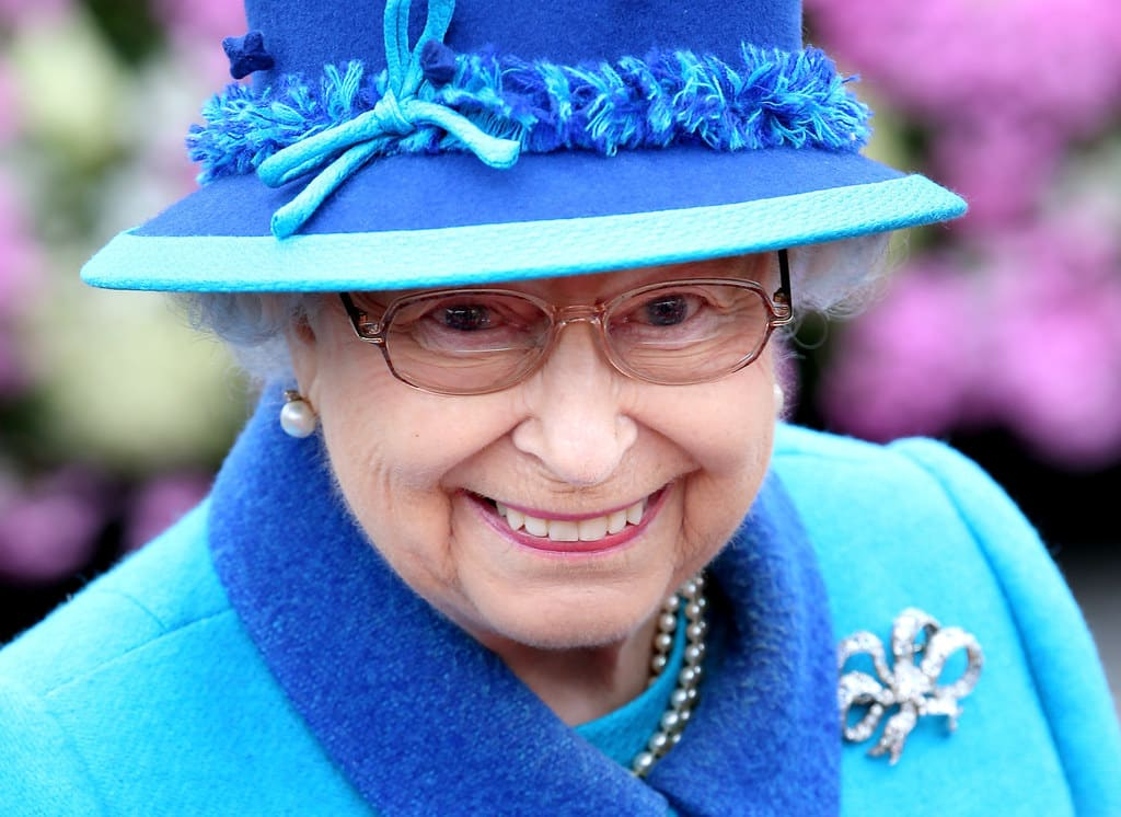 These Pictures Prove That The Queen Is Just Like The Rest Of Us